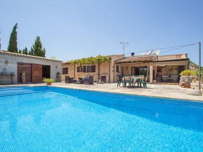 Photo for Cozy familiy-finca with pool and garden in Artà