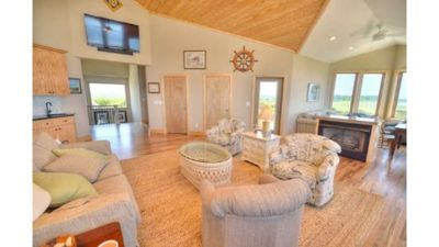 Photo for Spectacular Oceanfront 7 BD/6 BA have Private Bath & King Bed/Sleeps 16