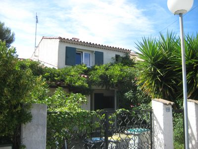 Photo for Charming family house 800m from the sea / beach in quiet area
