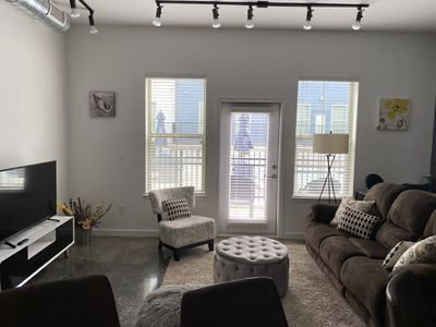 Photo for Poolside Luxury Downtown Exec Apart 901Star 17