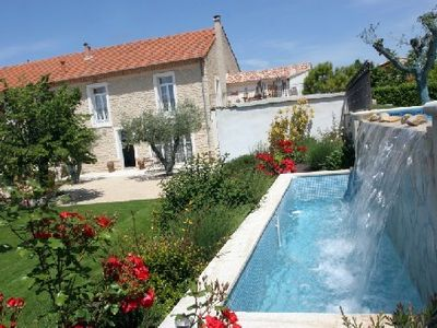 Photo for Cottage with infinity pool in Provencal farmhouse