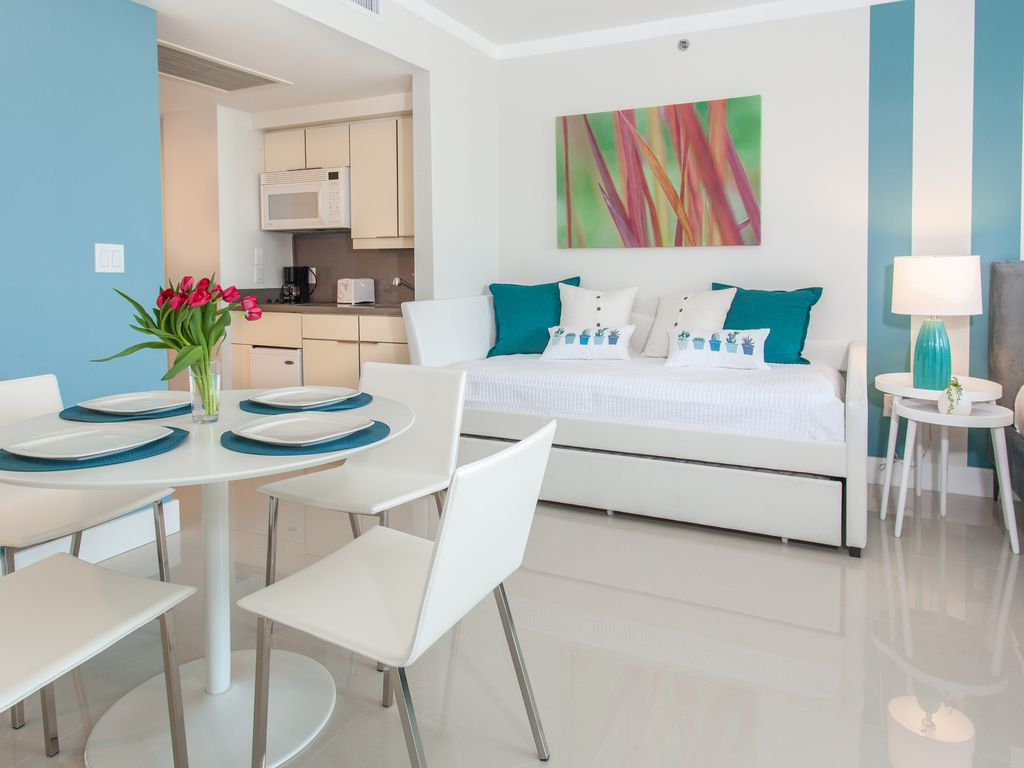 TWO FOR ONE: LINKED APARTS W/ 2BR/3BA AT SONESTA HOTEL 2 FREE PARK ...