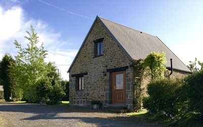 Photo for Spacious cottage for 2 to 3 people with shared heated pool & free WIFI