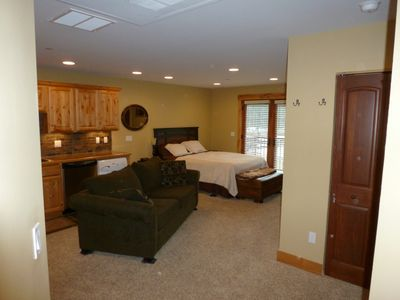 Full view of the intimate 440 square foot space.