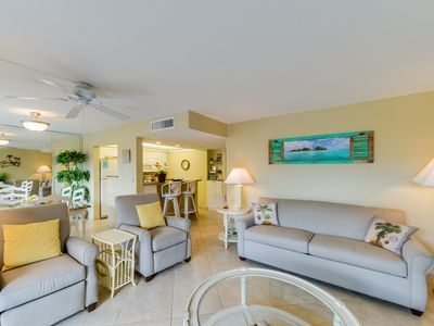 Photo for Sanibel Siesta on the Beach unit 203