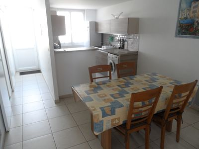 Photo for Flat 4 people - quiet location - sea 800 m. - Parking spaces