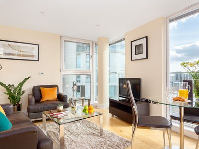Photo for Spacious Lanterns Court 1B apartment in Tower Hamlets with WiFi & lift.