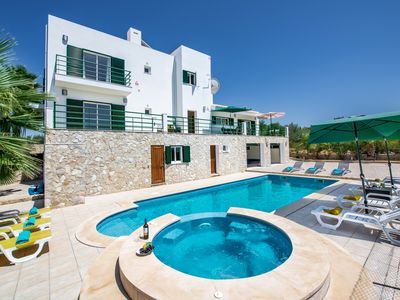 Photo for Villa With Heated Pool, Tennis Court, Jacuzzi, Games Room And WIFI