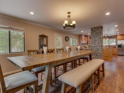 Photo for Close to down town, BBQ, Hot Tub, 4 bedroom Tahoe home (SL145)