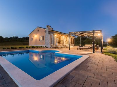 Photo for This 3-bedroom villa for up to 6 guests is located in Pazin and has a private swimming pool, air-con