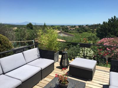 Photo for Relaxation and breathtaking views in the heart of Provence / 15 mn AVIGNON