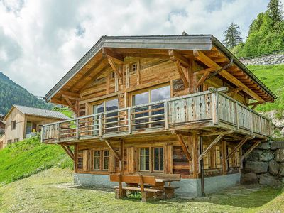 "Photo for Chalet Jessica - Modern 4 bedroom chalet in traditional ""old wood"" finish"