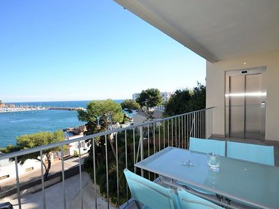 Photo for Apartment located on the seafront, with terrace and views of the bay of Sant Feli