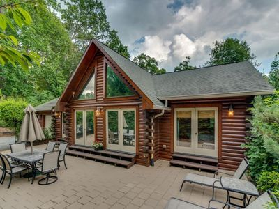 Photo for Beautiful Log Home With Access To Rumbling Bald Resort