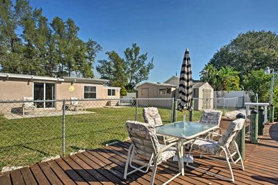 Snack on hors-d'oeuvres and sip wine outside at this Englewood vacation rental!