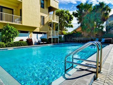 Villas of Clearwater Beach 4B Steps Away to the Beach