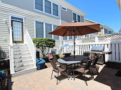 Photo for 19VIL: 5BR Bear Trap Rowhome - Steps to Golf, Pools, Tennis & More