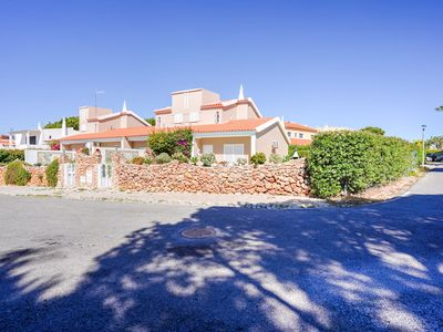 Photo for Beautiful Holiday Home in Vilamoura with Private Pool