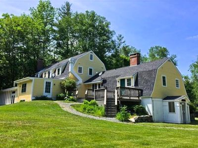 Photo for Historic Farm House, 8 Fireplaces, 5 Spa Baths, Tavern, Hot-Tub, Sunroom, Minutes to Bromley, Stratt