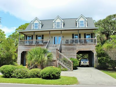 Martiniville - 4BR & Across the Street from the Beach!