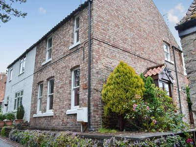 Photo for 2 bedroom accommodation in Thornton-le-Dale
