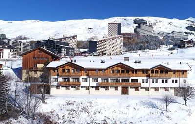 Photo for Les Menuires, Chalet Mary, 5 ensuite bedrooms, sleeps 10 - ski in/out
