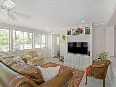 Photo for Beautiful NEWLY RENOVATED HOUSE  .4 Ml FROM HISTORICAL LAWRENCEVILLE, GA SQ, 30 ml from ATL,