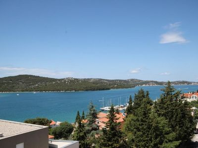 Photo for Two bedroom apartment with balcony and sea view Tisno (Murter)
