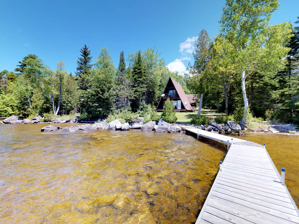 Cozy Lakefront Cabin W Gorgeous Views Private Dock