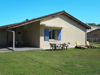 Photo for Vacation home Les Chênes (HUT123) in Hourtin - 7 persons, 3 bedrooms