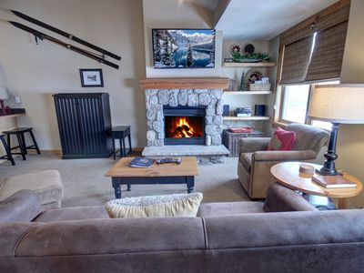 Photo for Buffalo Lodge 8411 Top Floor with King bed and Slopeside Views. Short walk to slopes by Summitcove Lodging