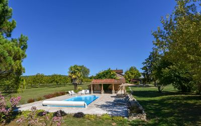 Photo for 5* rated traditional farmhouse on the banks of River Lot with private pool.