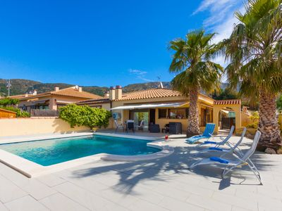 Photo for This 3-bedroom villa for up to 6 guests is located in Palau Saverdera and has a private swimming poo