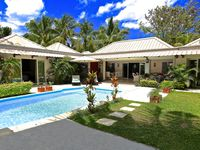 Beautiful villla Well designed Good three bedrooms and ensuites pool excellent