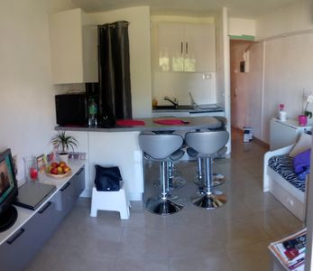 Photo for Air-conditioned apartment, beach and commerce on foot, parking, Saint-Raphael, 3 pers