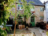 A great little cottage hide away in the center of Ruthin within walking distance of everywhere!