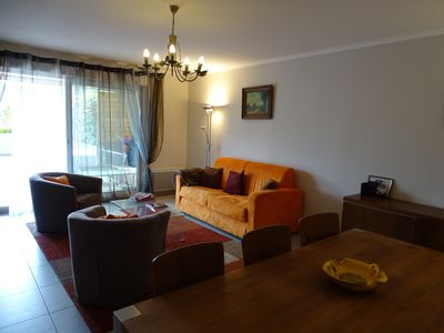 Photo for Close to the beach and shops, for 7 people, swimming pool, wifi