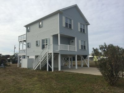 Photo for Family-friendly home one block from the beach with Wifi sleeps 8