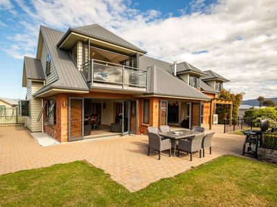 Photo for Anderson Manor - Te Anau Holiday Home