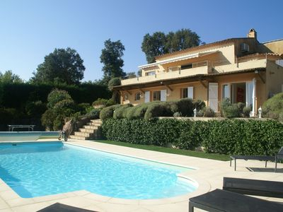 Photo for Beautiful villa on the golf course with heated pool and 200 m from the beach!