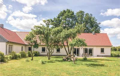 Photo for 3 bedroom accommodation in Settin