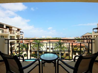 Photo for Spacious Condo, Romantic Island getaway,Perfect for Couples - PC407