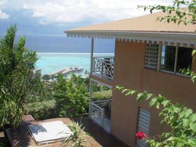 Photo for 4-room villa 5 minutes from the beach, breathtaking views of the lagoon and Tahiti