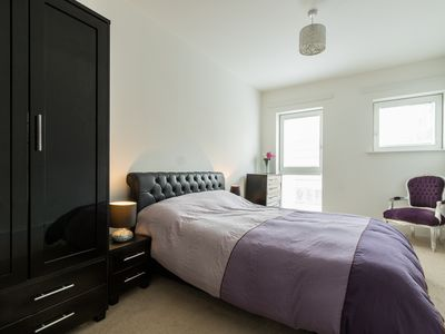 Photo for Modern Appartment in SE1 with outside space