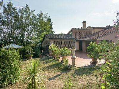 Photo for Spacious holiday house in the middle of Toscana