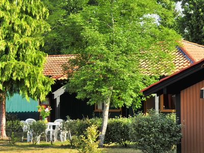 Photo for Private room for 2 in quiet cottage, swimming pool, tennis court, nature