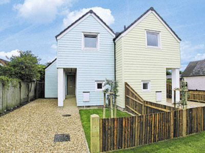 Photo for 3 bedroom accommodation in Elmer, Middleton-on-Sea