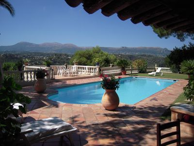 Photo for Garden level in beautiful provencal villa with south terrace, private pool