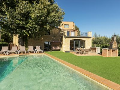 Photo for Stone house with private garden, pool, jacuzzi, barbecue, table football and billiards