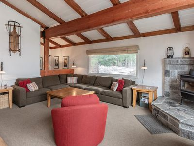 Photo for Charming 3-bedroom condo in the heart of Mammoth Lakes with clubhouse amenities
